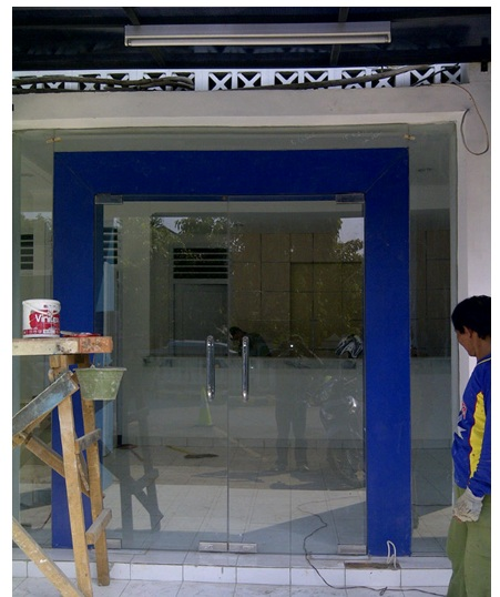 Pintu Pacth Fitting Tempered