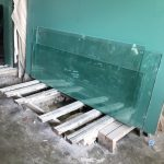 kaca curtain wall